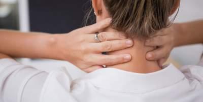 Медики назвали неожиданную причину болей в спине и шее
