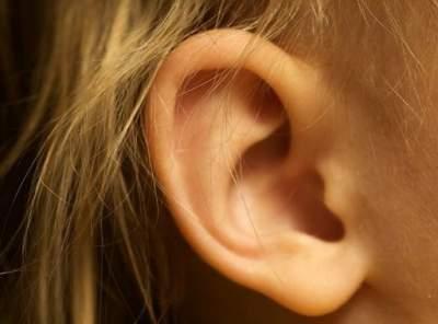 Врачи назвали симптомы приближающихся проблем со слухом