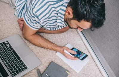 Зависимость от соцсетей хотят приписать к болезни