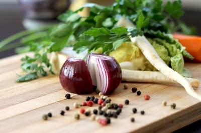 Врачи назвали овощи, которым не вредит термическая обработка
