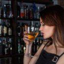 Медики назвали продукты, плохо сочетаемые с алкоголем